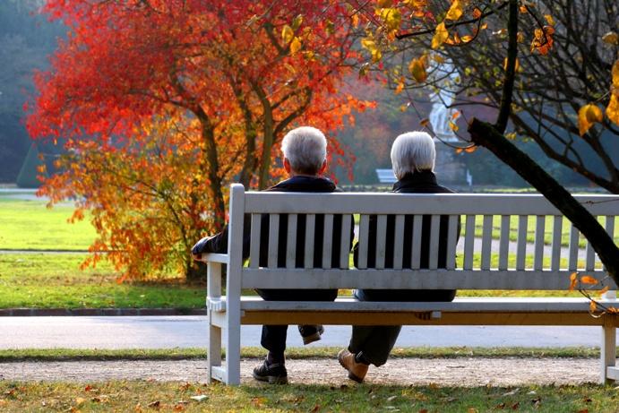 Gwarantowana emerytura powszechna i emerytura zakładowa – reforma emerytur