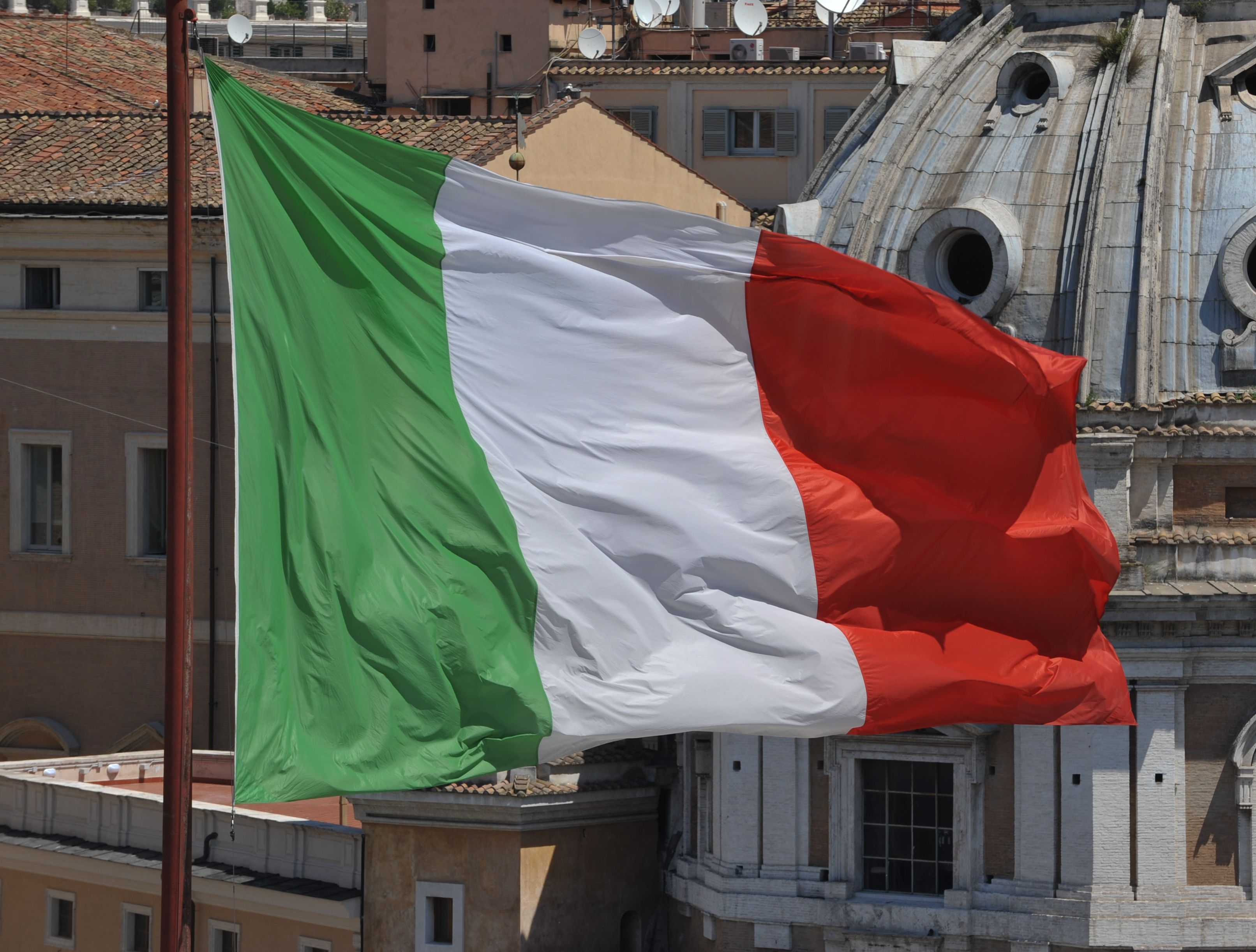 Czy świadczenie rodzinne z Włoch podlega PIT?